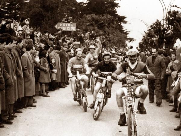 Ecomuseo Val Sanagra - 1954 - Il Giro d'Italia. Parodia dello sport più seguito dei tempi