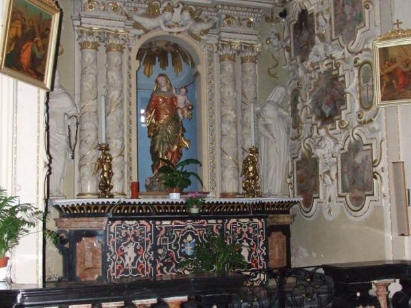 Ecomuseo Val Sanagra - Chiesa dei SS. Siro e Margherita, altare dedicato alla Madonna del Rosario - Codogna