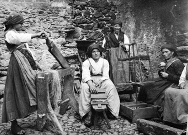 Ecomuseo Val Sanagra - Lavorazione della canapa - foto: turismocolico.it