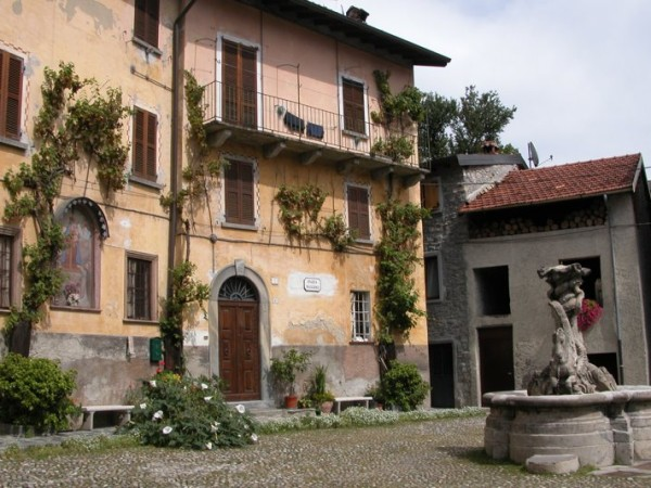 Ecomuseo Val Sanagra - Piazza di Naggio - la frazione più alta di Grandola ed Uniti