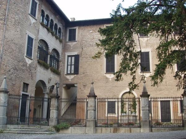 Ecomuseo Val Sanagra - Villa Bagatti Valsecchi - facciata in pietra locale 01